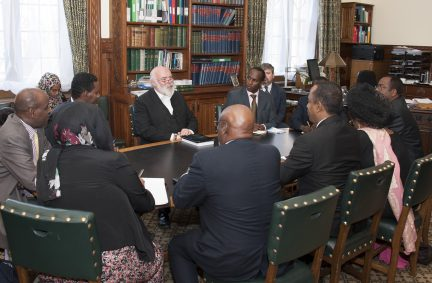 The Delegation discusses the role of the Clerk of the House, Sir Robert Rogers KCB