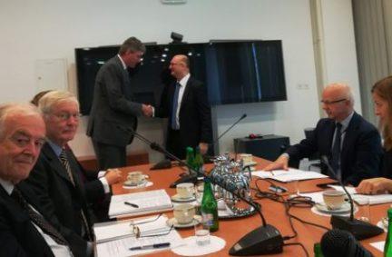 Andrzej Papierz the Polish Deputy Foreign Minister shakes hands with the APPG Chair Daniel Kawczynski.
