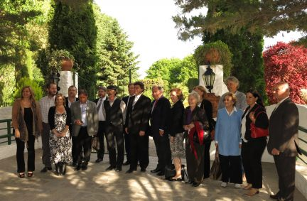 UK Delegation with local dignitaries and Welsh community meet in Gaiman