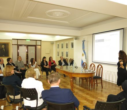 Resons to invest in Mendoza - presentation by provincial authority