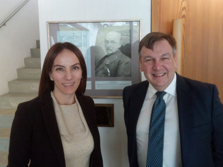 Mr Whittingdale MP with the IPU President Ms Gabriela Cuevas-Barron in front of a photo of the IPU's UK founder, Sir William Randal Cremer MP
