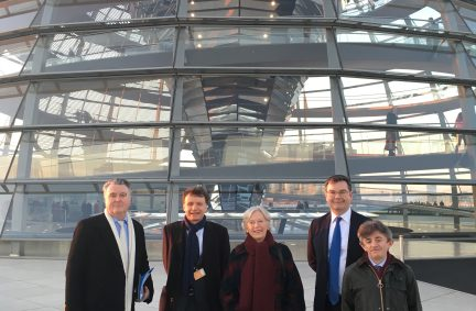 Delegation in front of the Reichstag dome