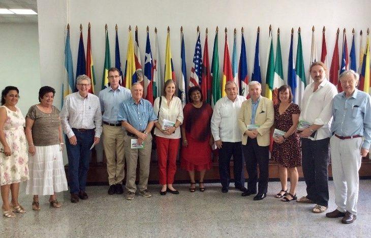 Delegation visiting the Latin American School of Medicine