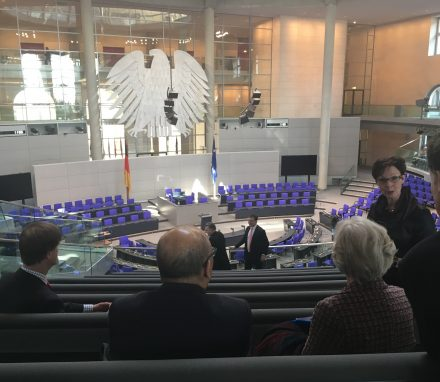 Delegation visiting Bundestag plenary
