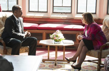 Deputy Speaker of Somali House of People in discussion with Rt Hon Baroness D'Souza CMG, the Lord Speaker