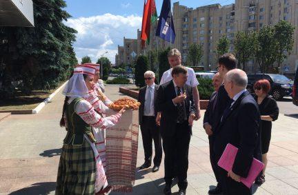 Delegation welcomed at Belaz factory