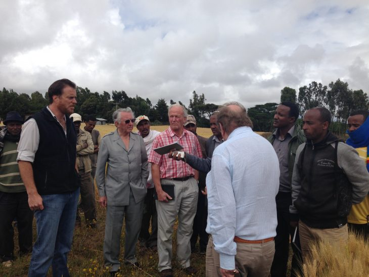 The Delegation discussing crop methods with farmers near Butajira