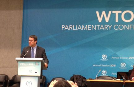 WTO Director General Roberto Azevêdo addressing the meeting