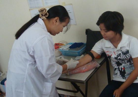 Public health worker in Mandalay, Myanmar. © USAID Asia