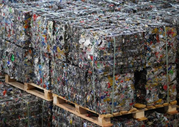 Bales of recyclable metal from aluminum waste/ © Shutterstock, Andreas Jensvold